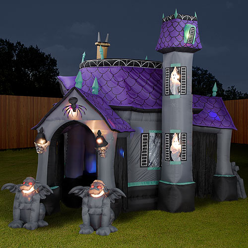 inflatable-cryptic-halloween-castle-3